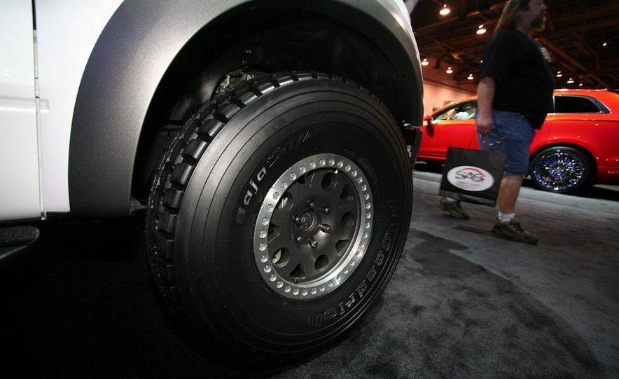 Ford Concept Raptor XT - Slide 5
