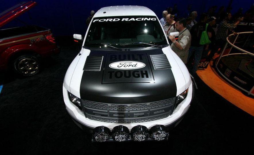 Ford Concept Raptor XT - Slide 1