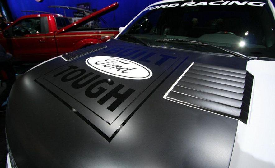 Ford Concept Raptor XT - Slide 2