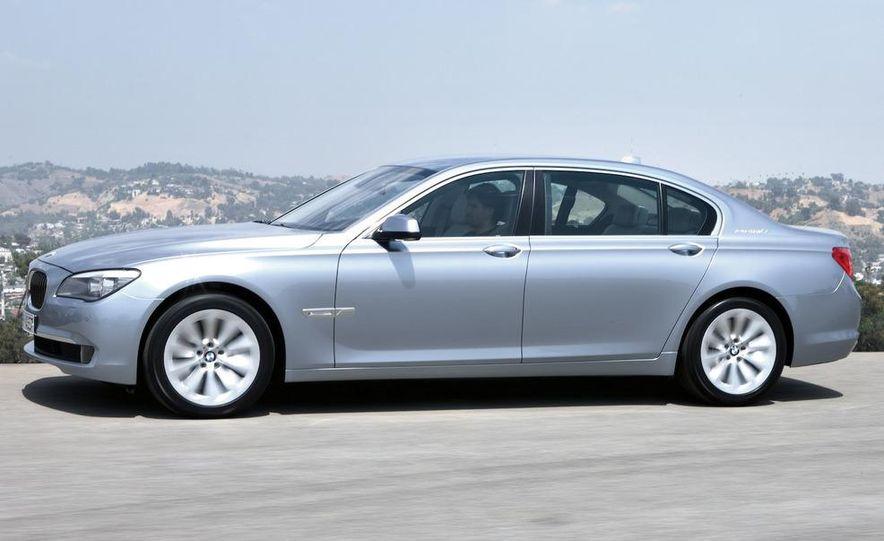 2010 BMW ActiveHybrid 7 - Slide 1