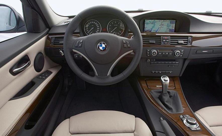 2010 BMW 335i xDrive sedan - Slide 46