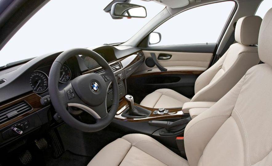 2010 BMW 335i xDrive sedan - Slide 47