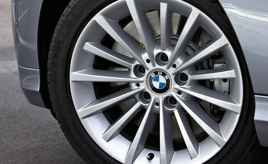2010 BMW 335i xDrive sedan - Slide 43