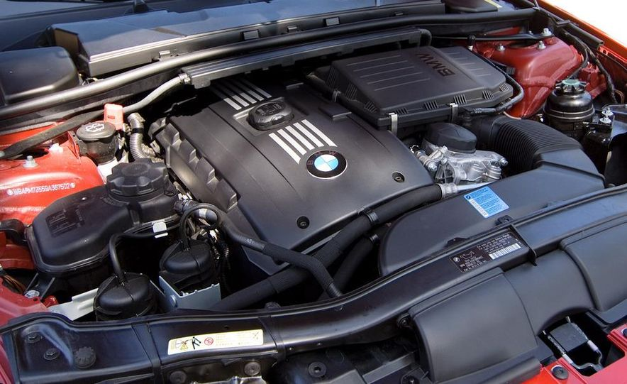 2010 BMW 335i xDrive sedan - Slide 17