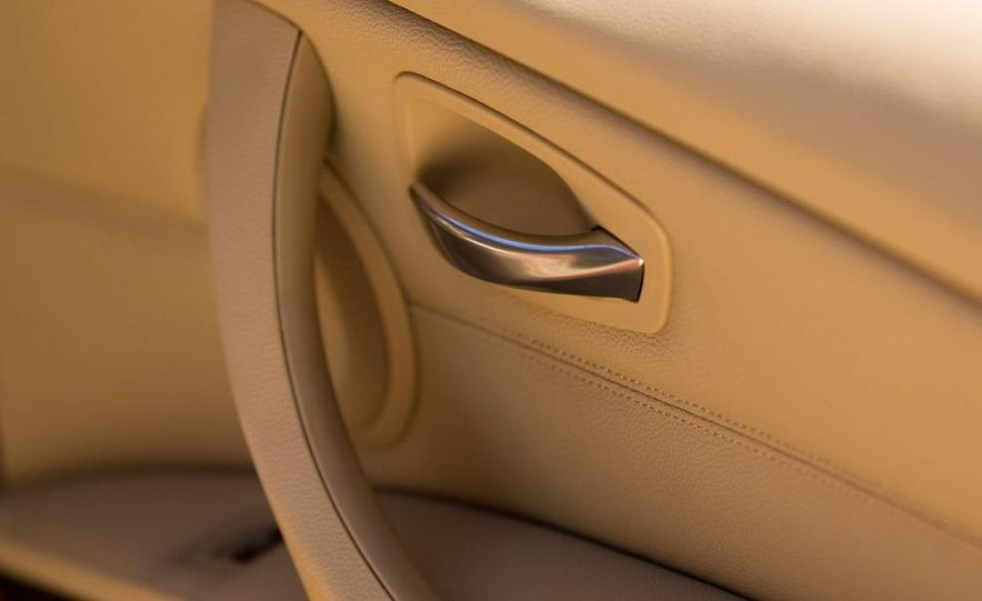 2010 BMW 335i xDrive sedan - Slide 18