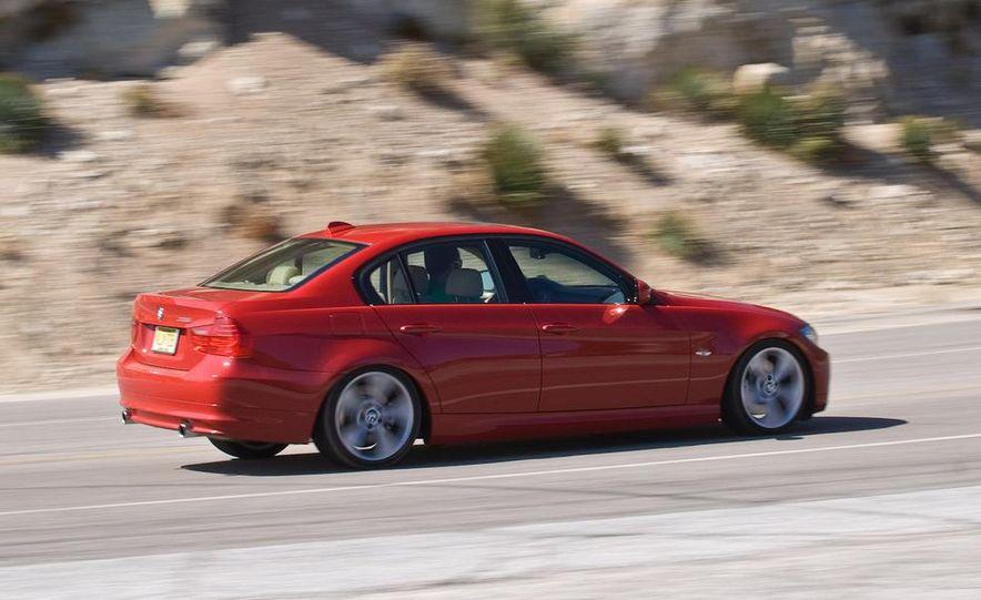 2010 BMW 335i xDrive sedan - Slide 15