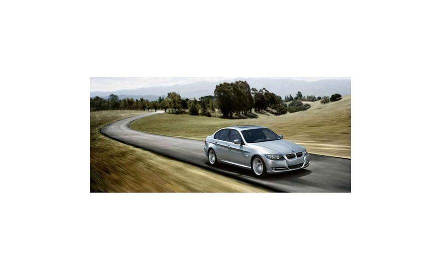 2010 BMW 335i xDrive sedan - Slide 3