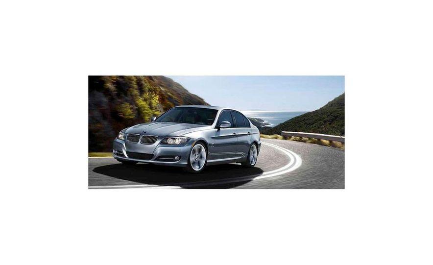 2010 BMW 335i xDrive sedan - Slide 4