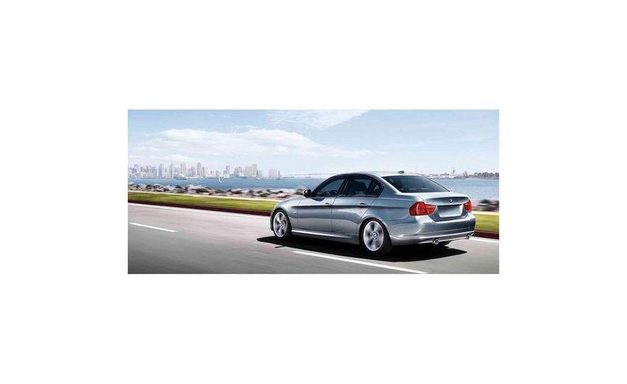 2010 BMW 335i xDrive sedan - Slide 5