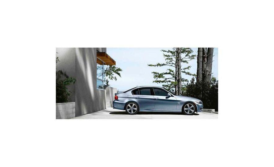 2010 BMW 335i xDrive sedan - Slide 6