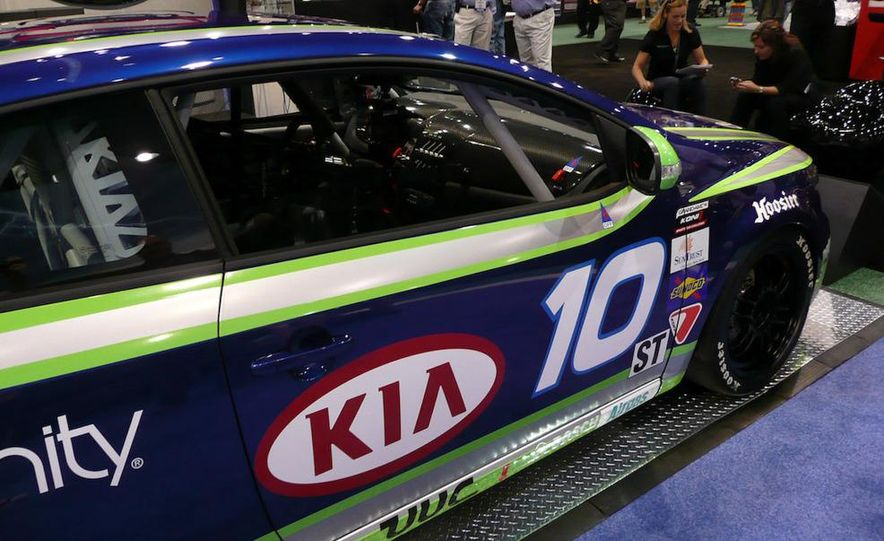 Kia Forte Koup Koni Challenge race car - Slide 9