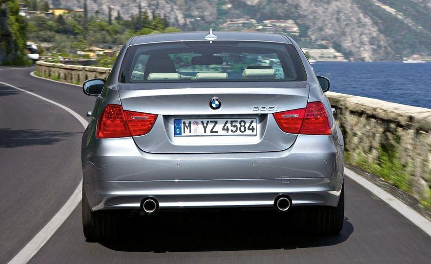 2012 / 2013 BMW 3-series sedan (spy photo) - Slide 35