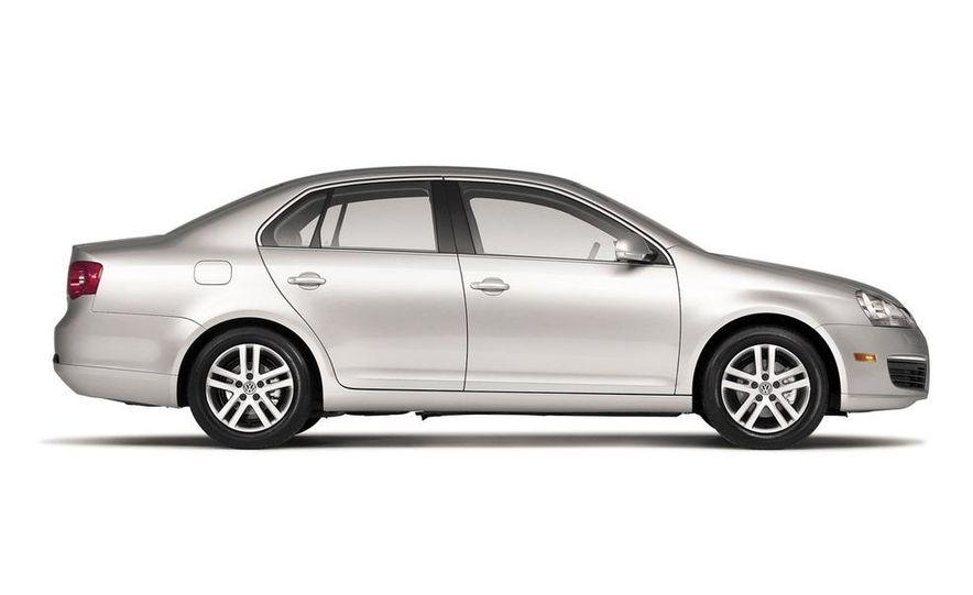 2010 Volkswagen Jetta TDI Cup Street Edition - Slide 7