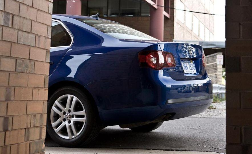 2010 Volkswagen Jetta TDI Cup Street Edition - Slide 56