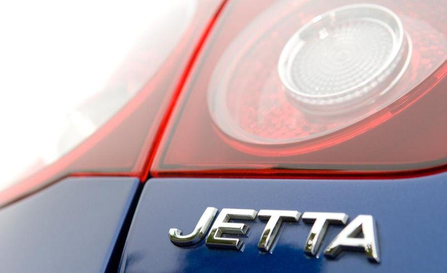 2010 Volkswagen Jetta TDI Cup Street Edition - Slide 42