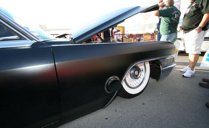 Cadillac Fleetwood Brougham Turbo-Diesel - Slide 4