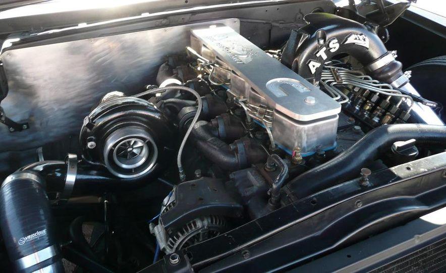 Cadillac Fleetwood Brougham Turbo-Diesel - Slide 9