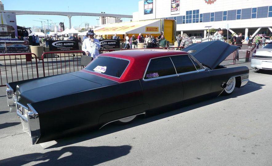 Cadillac Fleetwood Brougham Turbo-Diesel - Slide 10