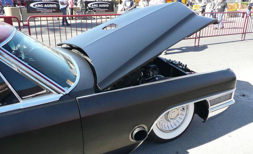 Cadillac Fleetwood Brougham Turbo-Diesel - Slide 12