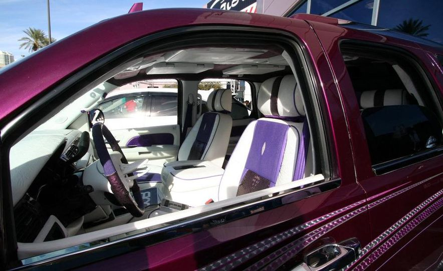 Cadillac Fleetwood Brougham Turbo-Diesel - Slide 34