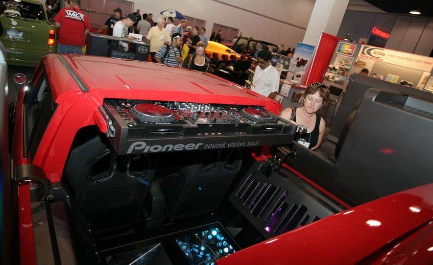 Cadillac Fleetwood Brougham Turbo-Diesel - Slide 65