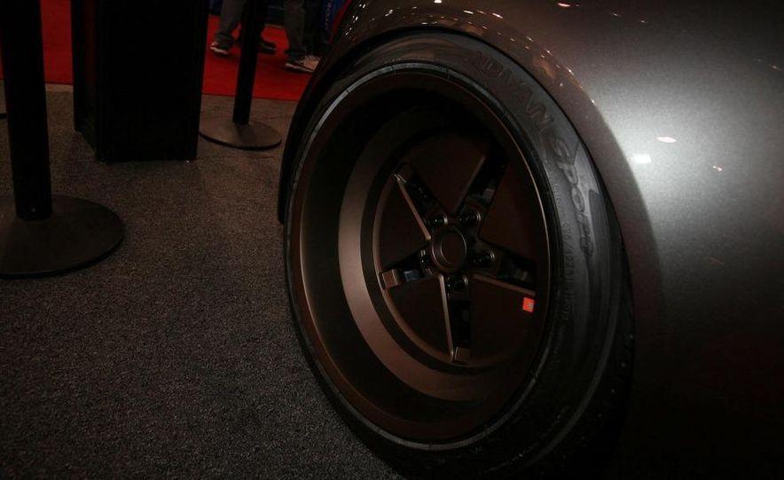 Cadillac Fleetwood Brougham Turbo-Diesel - Slide 71