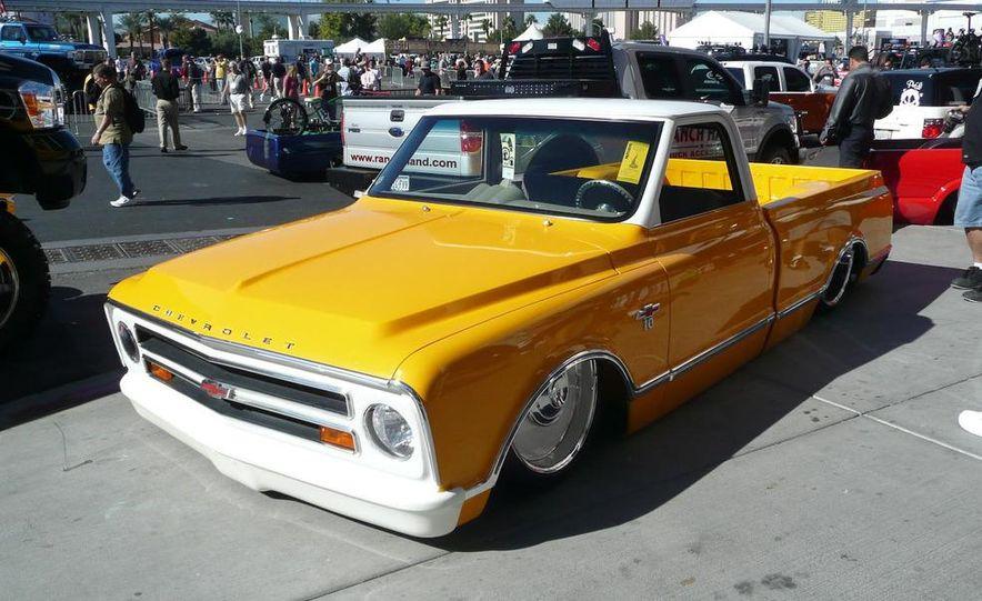 Cadillac Fleetwood Brougham Turbo-Diesel - Slide 15