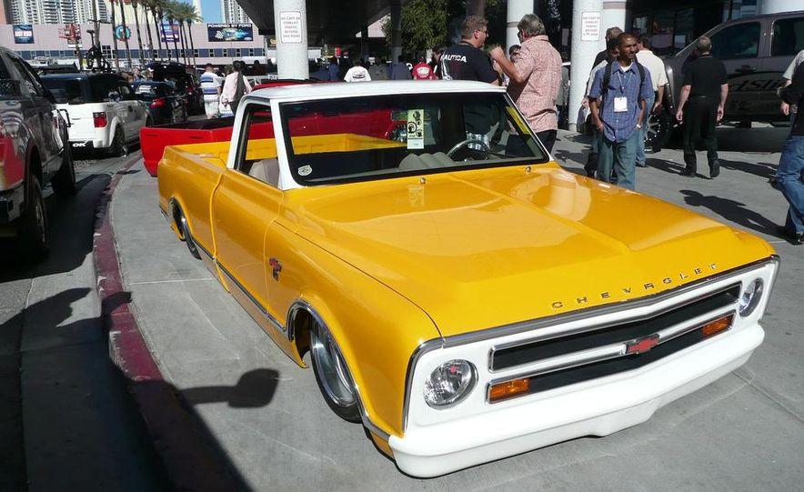 Cadillac Fleetwood Brougham Turbo-Diesel - Slide 17