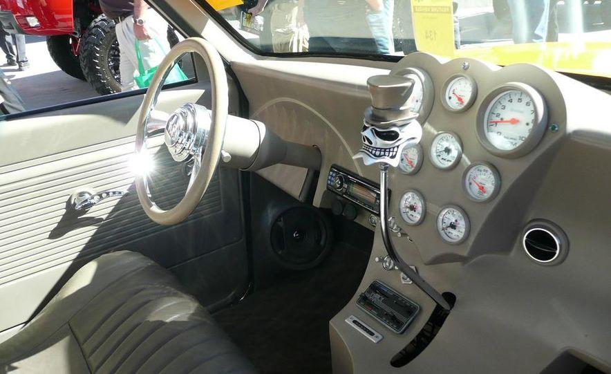 Cadillac Fleetwood Brougham Turbo-Diesel - Slide 18