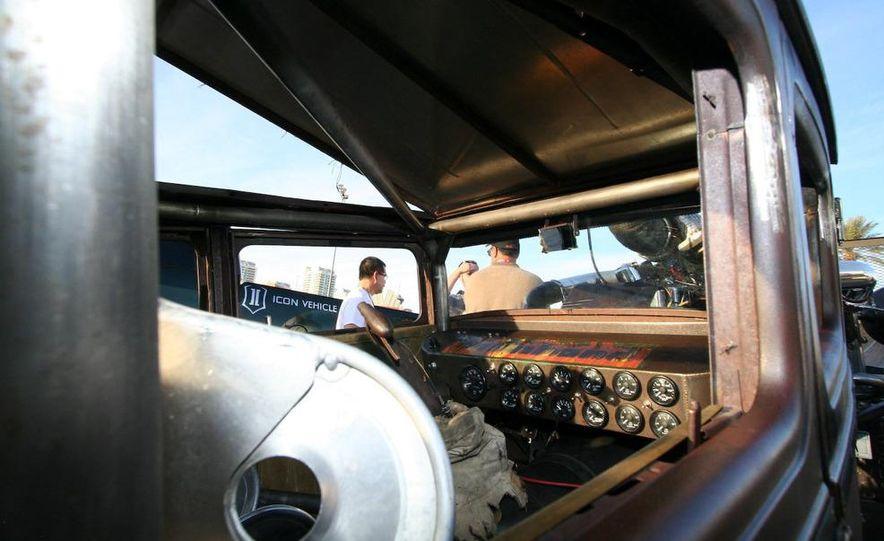 Cadillac Fleetwood Brougham Turbo-Diesel - Slide 56