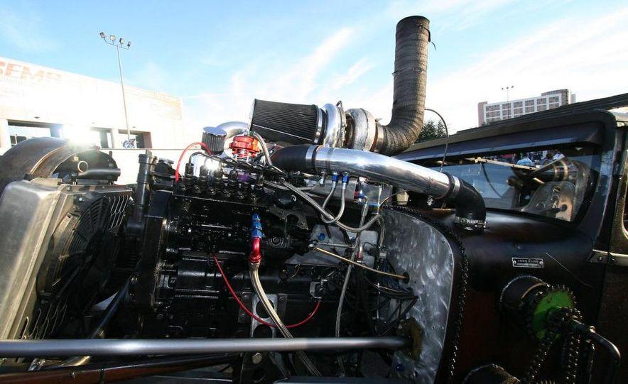 Cadillac Fleetwood Brougham Turbo-Diesel - Slide 58