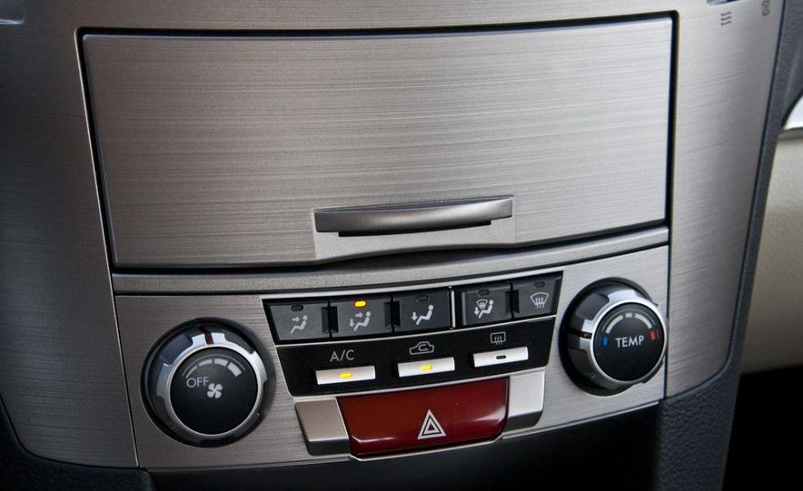 2010 Subaru Legacy 2.5i - Slide 34