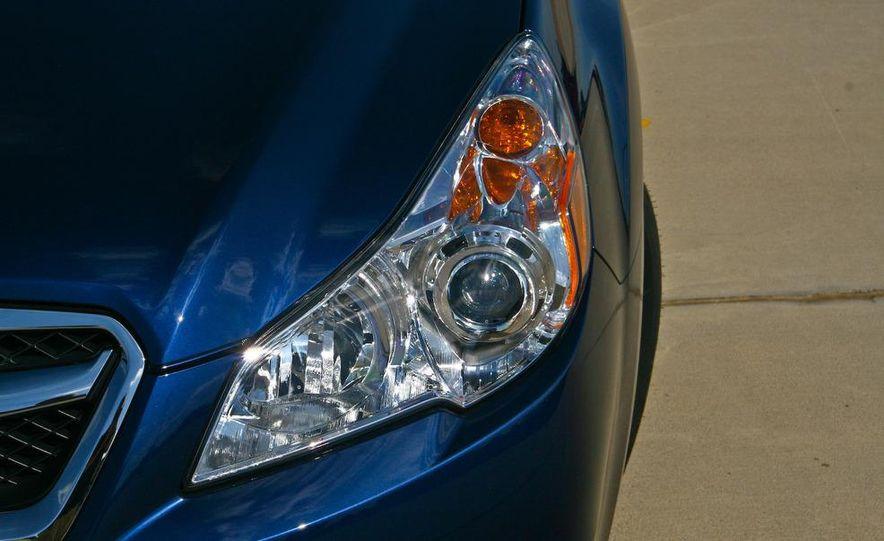 2010 Subaru Legacy 2.5i - Slide 18