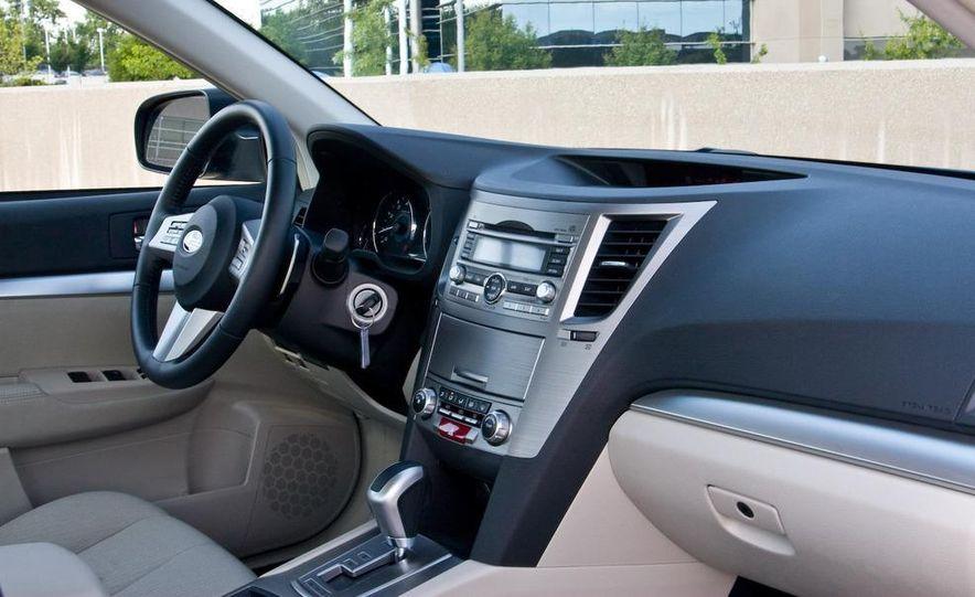 2010 Subaru Legacy 2.5i - Slide 37