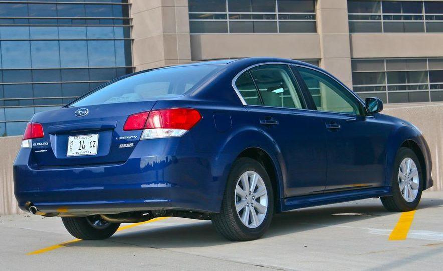 2010 Subaru Legacy 2.5i - Slide 8