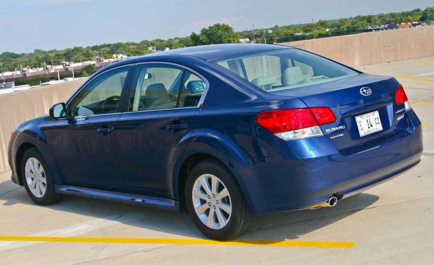2010 Subaru Legacy 2.5i - Slide 9