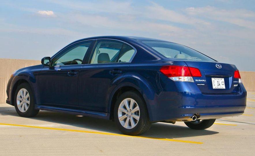 2010 Subaru Legacy 2.5i - Slide 10