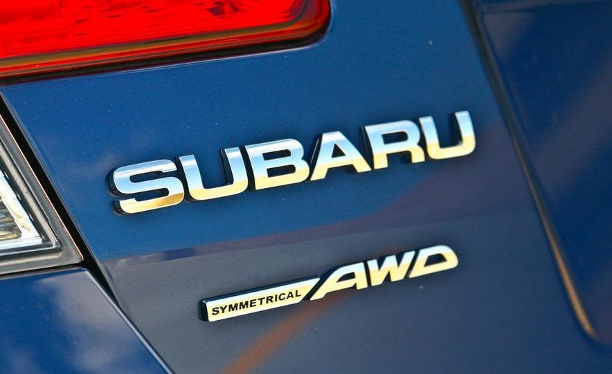 2010 Subaru Legacy 2.5i - Slide 15