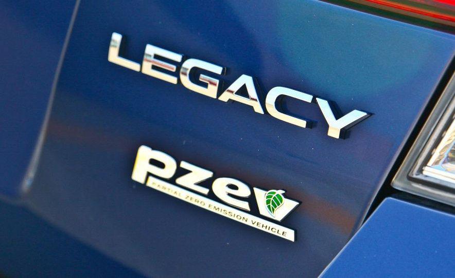 2010 Subaru Legacy 2.5i - Slide 19