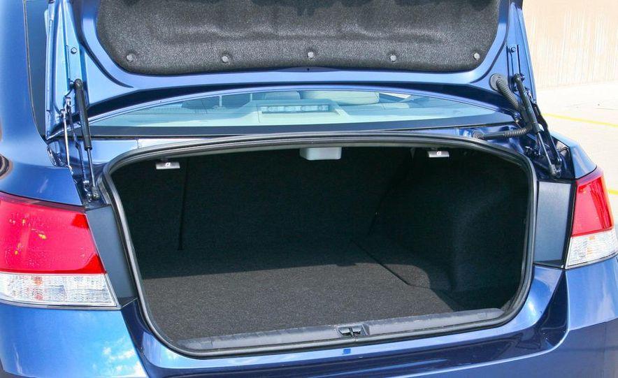 2010 Subaru Legacy 2.5i - Slide 16