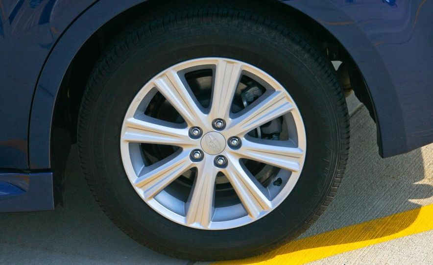 2010 Subaru Legacy 2.5i - Slide 17
