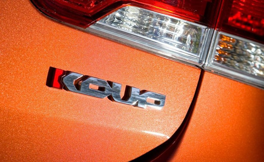 2010 Kia Forte Koup - Slide 11