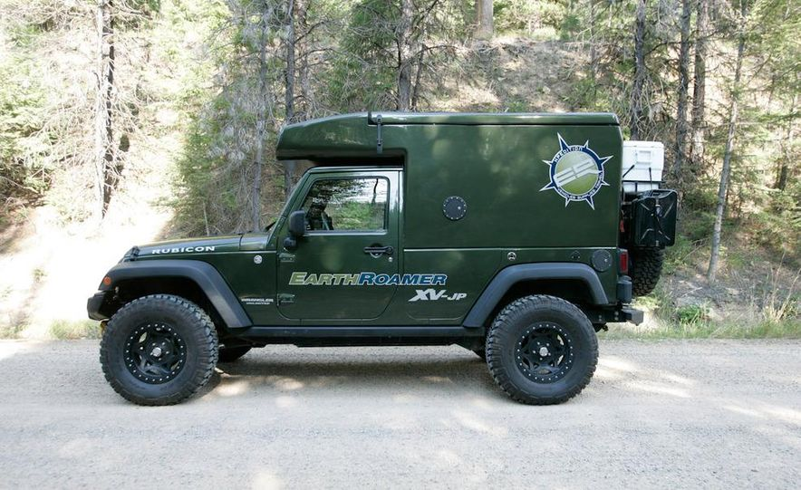 Jeep EarthRoamer XV-JP - Slide 1