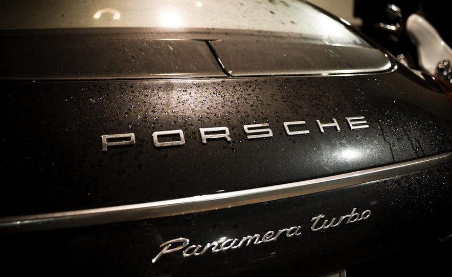 2010 Porsche Panamera Turbo rear wing cutaway - Slide 3