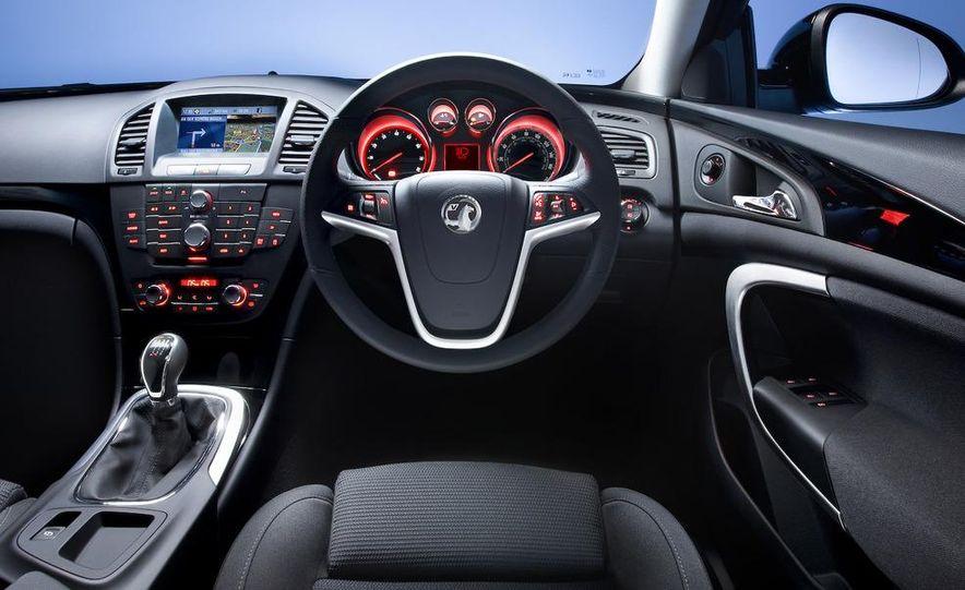 2011 Buick Regal - Slide 30