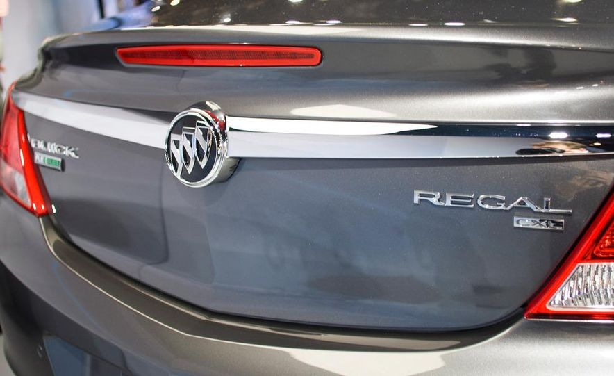 2011 Buick Regal - Slide 5