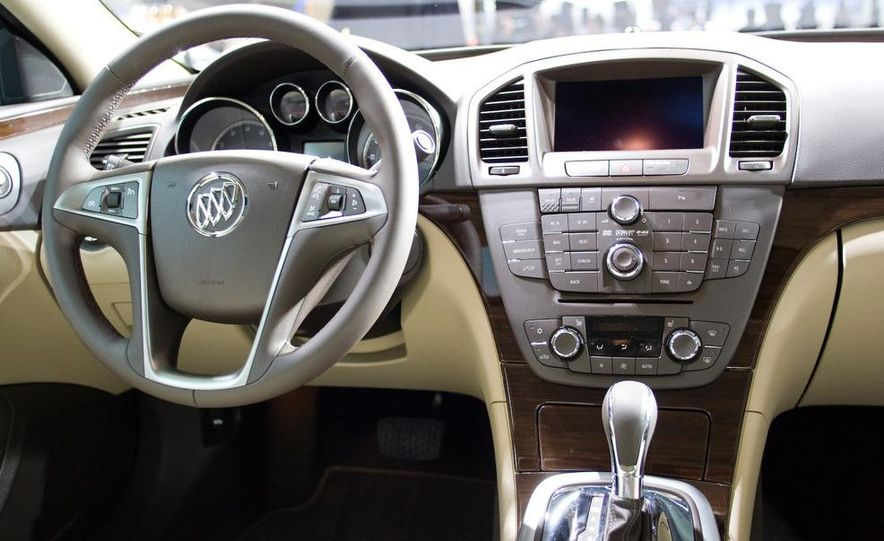 2011 Buick Regal - Slide 11