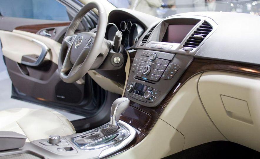 2011 Buick Regal - Slide 15