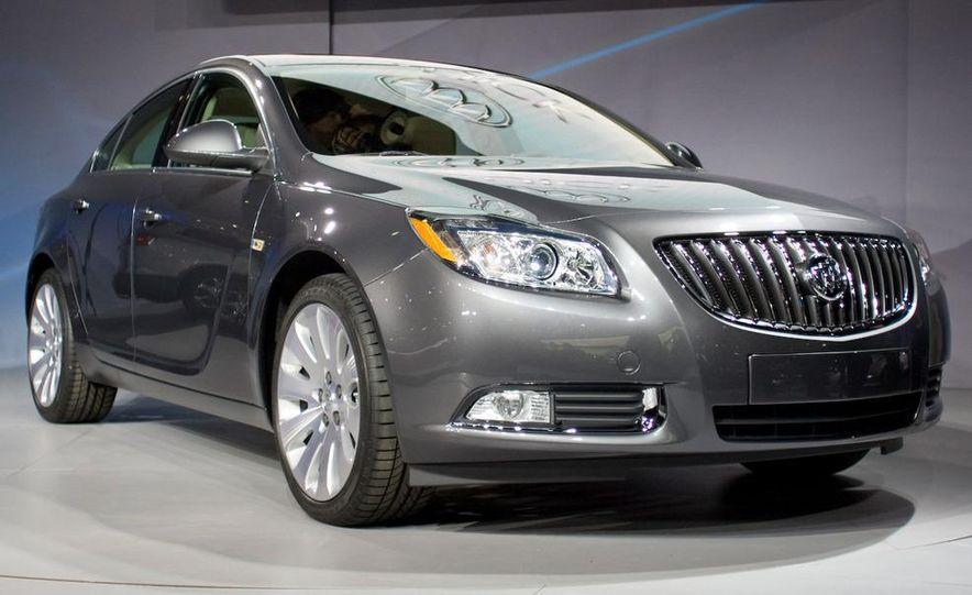 2011 Buick Regal - Slide 1