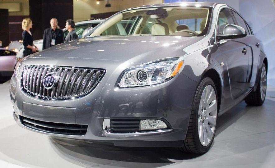 2011 Buick Regal - Slide 12